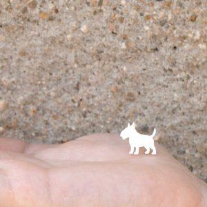 brincos bull terrier branco