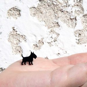brincos bull terrier preto