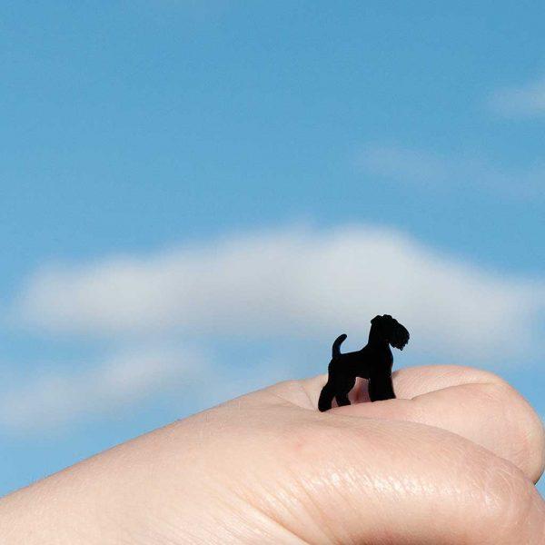brincos fox terrier preto