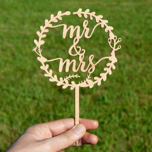 "topo de bolo casamento ""mr & mrs"""